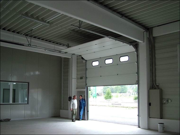 A DITEC kapunyitó motorok nagyméretű kapukat is könnyedén mozgatnak