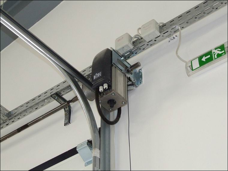 DITEC DOD-14 tengelyvégi szerelésű ipari kapunyitó motor az NRG Agent Kft-nél