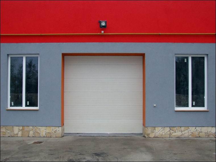 Ablak nélküli ECOTOR ipari kapu